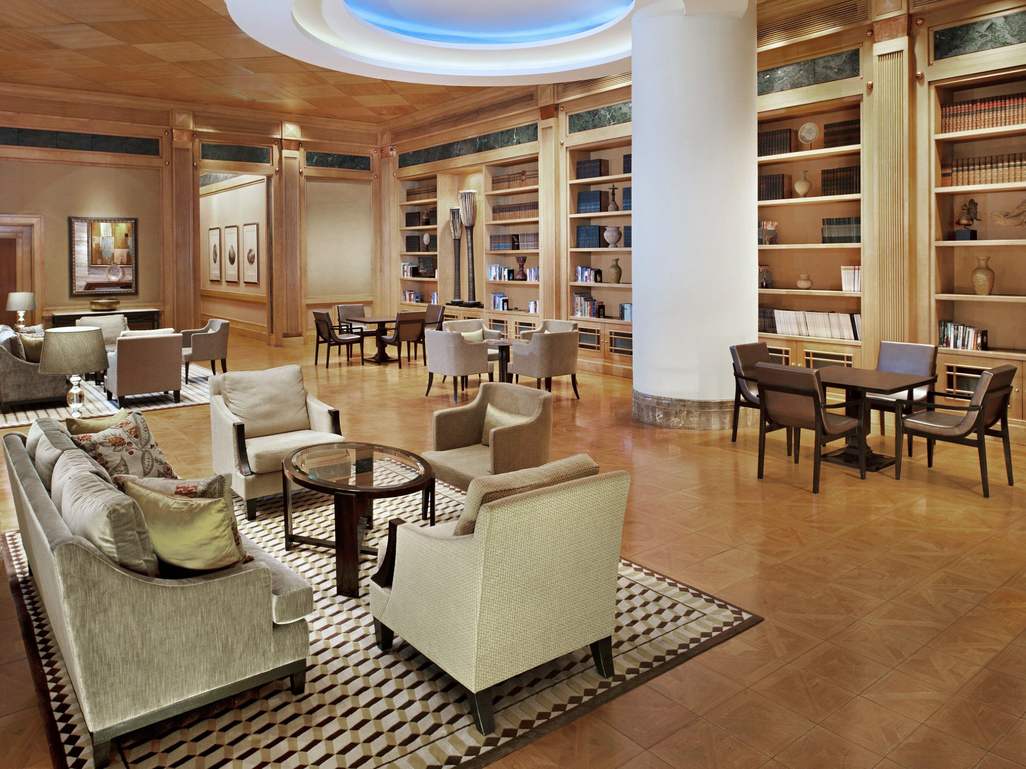 Sheraton Grande Sukhumvit- The Library